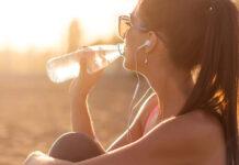 Jak pijąc więcej ważymy mniej